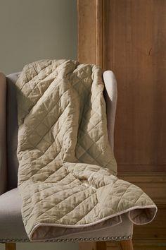 €89,95 Hunting Lodge Quilt beige 130x180 #living #interior #rivieramaison