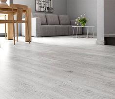 PREMIUM Suelo laminado FROZEN OAK Grey Laminate Flooring, Grey Wood Floors, Wooden Flooring, Vinyl Flooring, Wood Effect Floor Tiles, Grey Floor Tiles, Luxury Flooring, Bedroom Flooring, Flooring Options