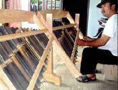 Banyak pandai besi di Bumi Blambangan. Namun, pandai besi yang telaten membuat gamelan sekaligus piawai memainkan alat musik tradisional mungkin hanya Ridwan. Suara gemerincing dan bunyi perkusi terdengar di rumah Ridwan, 32, di Desa Wonosobo, Kecamatan Srono, Banyuwangi. Rumah itu tak hanya dijadikan tempat tinggal. Bangunan seluas enam meter kali sepuluh meter itu ternyata juga berfungsi sebagai bengkel pandai besi. Seolah berjodoh, rumah sekaligus workshop (bengkel) milik Ridwan tersebut Tours, Wood, Woodwind Instrument, Timber Wood, Trees