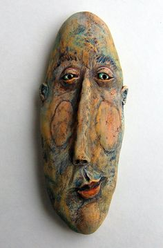 Sue Thompson mask - I like! Ceramic Mask, Ceramic Clay, Ceramic Pottery, Sculpture Clay, Sculptures, Clay Faces, Ceramic Figures, Masks Art, Paperclay