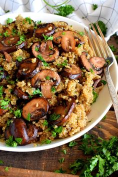 Sautéed Mushroom Garlicky Quinoa - Lord Byron's Kitchen - Sautéed Mushroom Garlicky Quinoa – Lord Byron's Kitchen - Quinoa Recipes Easy, Vegetable Recipes, Whole Food Recipes, Diet Recipes, Vegetarian Recipes, Cooking Recipes, Quinoa Dinner Recipes, Avocado Recipes, Slow Cooking