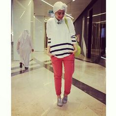Ascia_AKF OOTD ● Pants: Diesel, Shirt: Pink by VS, Shoes: Dolce Vita