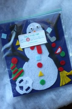 Snowman (in a bag Felt Snowman Kit: An easy and inexpensive gift idea!Felt Snowman Kit: An easy and inexpensive gift idea! Quiet Time Activities, Christmas Activities, Craft Activities, Preschool Crafts, Toddler Activities, Christmas Fun, Crafts For Kids, Preschool Winter, Winter Activities