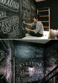 :: Chalkboard art Chalk artist at work. Tanamachi ANDAZ via the red threadChalk artist at work. Tanamachi ANDAZ via the red thread Blackboard Art, Chalkboard Lettering, Chalkboard Designs, Chalkboard Paint, Kitchen Chalkboard, Typography Inspiration, Typography Design, Chalk Artist, Chalk Wall