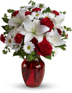 Be My Love Bouquet with Red Roses Could a bouquet of flowers be any prettier? Love these!
