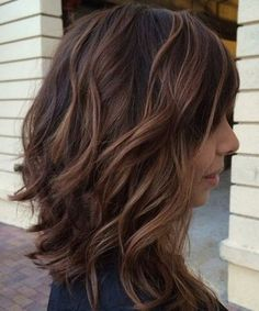 Delightful Medium Brunette Hairstyles for Women To Try This Year