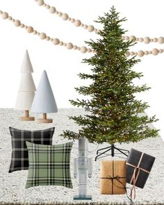 Scandinavian Christmas Decorations, Whimsical Christmas, Elegant Christmas, Vintage Christmas, Cabin Christmas, Plaid Christmas, Paper Wrapping, Rug Texture, Minimalist Christmas
