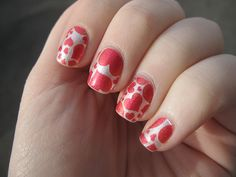 These heart nails are sooo cute!