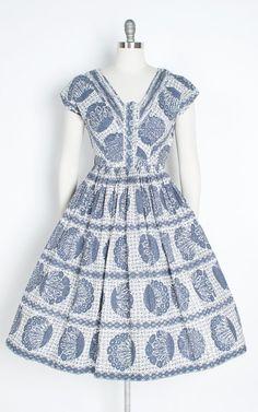 Vintage 1950s Dress  50s Floral Cotton Folk Polka Dot Striped image 1 Vintage 1950s Dresses, Vintage Outfits, Vintage Fashion, Vintage Style, Day Dresses, Cute Dresses, Summer Dresses, Look Retro, Shirtwaist Dress