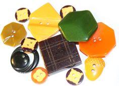 Buttons / Bakelite 12 / Cookies /  Vintage / Tested / by HoppeEtc on Etsy