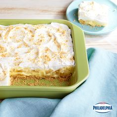 Graham cracker crumbs, bananas, Cool Whip whipped topping and vanilla pudding make this Savannah Banana Pudding unforgettable. It's great for potlucks or parties too!