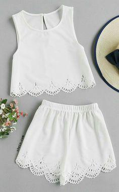 Look rendado e branco.