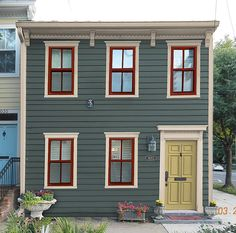 House Exterior Colonial Cape Cod Ideas For 2019 Best Exterior Paint, Exterior Paint Colors For House, Paint Colors For Home, Exterior Design, Diy Exterior, Exterior Trim, Exterior Colors, Exterior Stairs, Building Exterior