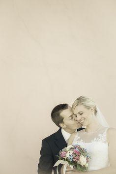 Fotograf © Hannelore Kirchner | Hochzeitsfotograf | Salzburg Austria | weddingphotographer | wedding photographer | Hochzeit | love Salzburg Austria, Wedding Dresses, Fashion, Bride Dresses, Moda, Bridal Gowns, Fashion Styles, Weeding Dresses, Wedding Dressses
