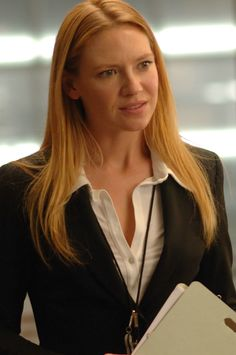 """""""While you're waiting for the waiter, In that moment do you not become the waiter? Fringe Tv Show, Anna Torv, Pictures Of Anna, I Love Girls, Pure Beauty, Woman Crush, Role Models, Alma Mater, Films"""