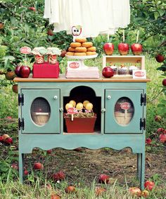 apple picking party {ohsoprintable via HWTM}