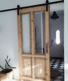 : Sliding doors: how to integrate the practical doors! Sliding doors can be a real highlight in your apartment. Let yourself be inspired or show us how yo doors homedecorelegant homedecorfarmhouse homedecorkitchen integrate practical simplehomedecor s Vintage Home Decor, Diy Home Decor, Sliding Doors, Barn Doors, Modern, Home Goods, Sweet Home, New Homes, House Design