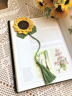 Precious Tips for Outdoor Gardens In general, almost half of the houses in the world… Quick Crochet, Crochet Yarn, Hand Crochet, Crochet Stitches, Free Crochet, Crochet Sunflower, Crochet Leaves, Crochet Flowers, Yarn Flowers