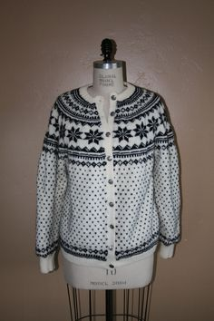 Label: Norsk Håndstrikk a.s Era: 1950s 100% Pure New Wool. Genuine Hand-Knits from Norway. Bergen - Norway