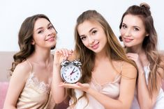 Running out of time and still haven't put together the bachelorette party? Check out our latest guide which will provide you with some great last minute bachelorette party ideas. Country Groomsmen, Groomsmen Grey, Disney Bachelorette Parties, Bachelorette Party Invitations, Bachelor Party Games, Bridal Shower Games, Last Minute, Maid Of Honor, Party Ideas