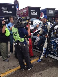 Jimmie Johnson catches up with Mike Massaro ESPN after the race to talk about his Top-10 finish! #lowes48 (Twitter: Team Lowe's Racing ‏@LowesRacing)