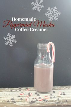 Homemade Peppermint Mocha Coffee Creamer 1 cup Skim Milk – can Sweetened Condensed Milk Here's the twist… tsp pure peppermint extract and a couple Tablespoons Hershey's Chocolate Syrup. Homemade Coffee Creamer, Coffee Creamer Recipe, Mocha Coffee, Starbucks Coffee, Coffee Barista, Coffee Scrub, Black Coffee, Hot Coffee, Coffee Shop