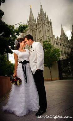 Temple Wedding, Church Wedding, Wedding Reception, Our Wedding, Dream Wedding, What Is Lds, Latter Day Bride, Couple Picture Poses, When I Get Married