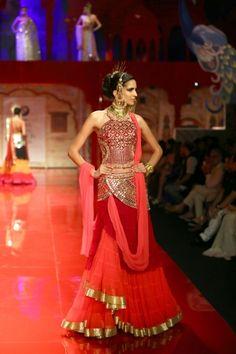 #4039 SUNEET VARMA AT INDIA BRIDAL FASHION WEEK 2014