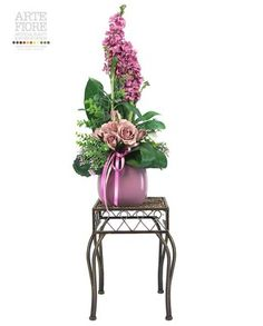 Composizione floreale fiori artificiali in tessuto: Delphinium e Rose