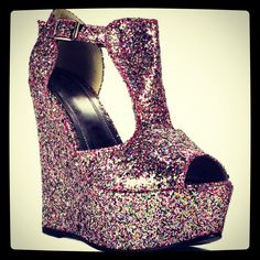 My new glitter wedges :)