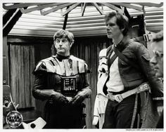 A gallery of Star Wars: Episode V - The Empire Strikes Back publicity stills and other photos. Featuring Mark Hamill, Carrie Fisher, Harrison Ford, David Prowse and others. Star Trek, Star Wars Cast, Star Wars Film, Harrison Ford, Starwars, Mark Hamill, Mascara Darth Vader, Dark Vader, Dave Prowse