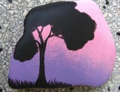 intuitive painting, stone painted with acrylic paints VERY PRETTY :) Pebble Painting, Pebble Art, Stone Painting, Diy Painting, Rock Painting, Stone Crafts, Rock Crafts, Arts And Crafts, Caillou Roche