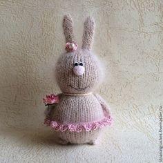 Зайка. - бежевый,зайка,заяц,вязаный заяц,вязаная игрушка,подарок,авторская игрушка