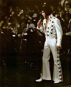 Elvis 1972 at Madison Square Garden 'without the belt'