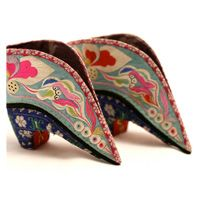 PAIR OF WOMEN'S SHOES  Late 19th-early 20th century China, Han  Gift of Mrs Zhimei Zhang    2006.30.424.A-B  © Luc Bouvrette