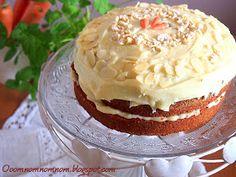Po wielu podejściach do ciasta marchewkowego z dumą mogę stwierdzić, że doszłam do perfekcji. :)   Ciasto jest chrupiące z zewnątrz, aro...