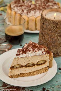 CHEESECAKE TIRAMISU | Diva in bucatarie Sweets Recipes, Cheese Recipes, Cheesecake Recipes, Cheesecakes, Tiramisu, Deserts, Food And Drink, Yummy Food, Ethnic Recipes