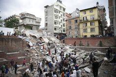 Honderden doden in Nepal na aardbeving, verwoesting is enorm / demorgen.be / 25 april 2015 / Kathmandu, Nepal
