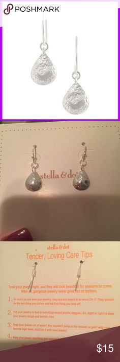 Stella & Dot Earrings (new) Brand new silver plated earrings with Stella bag as shown. 🚫Price firm unless bundled.🚫 Stella & Dot Jewelry Earrings