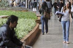 BLOG DO ARRETADINHO: Alunos mais pobres ampliam presença em universidad...