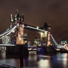 Walk passed by  #europe #uk #london #city #cityoflondon #towerbridge #thames #night #evening #thisislondon #ilovelondon #tourist #travel #travelgram #instatravel #igtravel #streetphotography #photo #photooftheday #vscofilm #towerhill #visiteurope #visituk #visitlondon #bridge by cyfleung