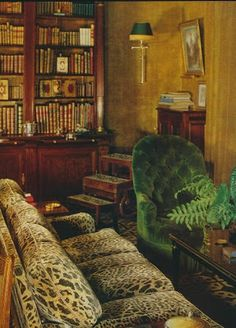 MUST...HAVE...THIS...SOFA...The Peak of Chic®: Behind the Velvet Walls