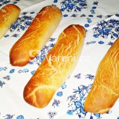 Úžasné domácí rohlíky recept - Vareni.cz Hot Dog Buns, Hot Dogs, Bread, Baking, Food, Bakken, Eten, Backen, Bakeries