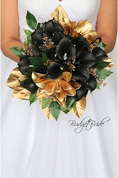 Old Hollywood Theme Wedding flower brides bouquet - Amy Kepler Small Bridesmaid Bouquets, Small Wedding Bouquets, Gold Wedding Gowns, Bride Bouquets, Bridal Flowers, Flower Bouquet Wedding, Floral Wedding, Gatsby Wedding, Flower Bouquets
