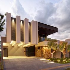 Modern Exterior House Designs, Modern Architecture Design, Dream House Exterior, Facade Architecture, Exterior Design, 3 Storey House Design, House Front Design, Villa Design, Conception Villa