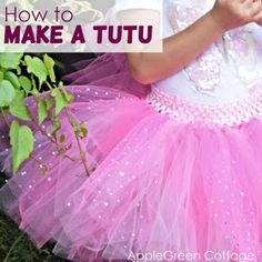 New Totally Free sewing tutorials tutus Strategies How to Make a Tutu. This tutu tutorial shows you how to make any size tulle tutu from a newborn to Diy Tutu Skirt, Tulle Skirt Tutorial, Tulle Tutu, Tutu Skirts, Tulle Poms, Pom Poms, Tutu Dresses, Kids Tutu, Tutus For Girls