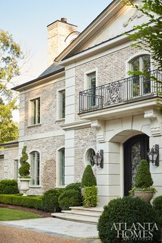 This neoclassical French home by Harrison Design radiates a stately presence wit. - This neoclassical French home by Harrison Design radiates a stately presence with materials that in - Style At Home, French Style Homes, Harrison Design, French Exterior, Atlanta Homes, Atlanta Mansions, Mediterranean Homes, Tuscan Homes, Mediterranean Architecture