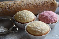 vůně kávy a pastelek: Malinové muffiny potažené marcipánem