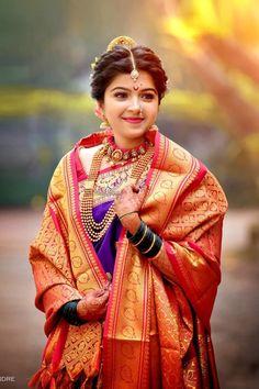 Engagement Dress For Bride, Couple Wedding Dress, Maharashtrian Saree, Marathi Saree, Marathi Bride, Marathi Wedding, Wedding Sarees, Saree Poses, Kashta Saree