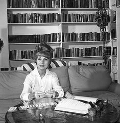 💖 Agnes Moorehead at home in Los Angeles California circa 1965